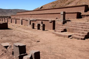Le rovine di Tiahuanaco in Bolivia