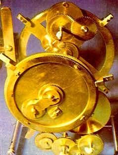 Modello in ottone del Calcolatore di Antikythera conservato al Museo Archeologico Nazionale di Atene