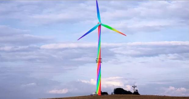 Aero Art di Horst Glaker, generatore eolico dipinto
