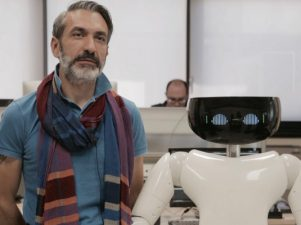r1-robot-umanoide-2