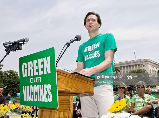 Jim Carrey contro i vaccini obbligatori