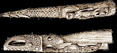 Parte terminale di un albero di imbarcazione della zona di Masanei, medio Korewori. Sotto, parte anteriore di piroga ricavata da un tronco, con tracce di colorazione: testa di coccodrillo e uccelli, lunga cm. 203.