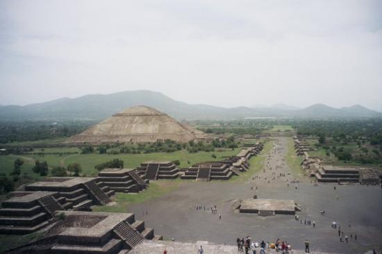 Mercurio liquido sotto una piramide messicana. Potrebbe portare alla tomba del re?