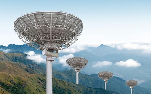 "Misteriosi ""lampi radio extragalattici"": chi o cosa?"