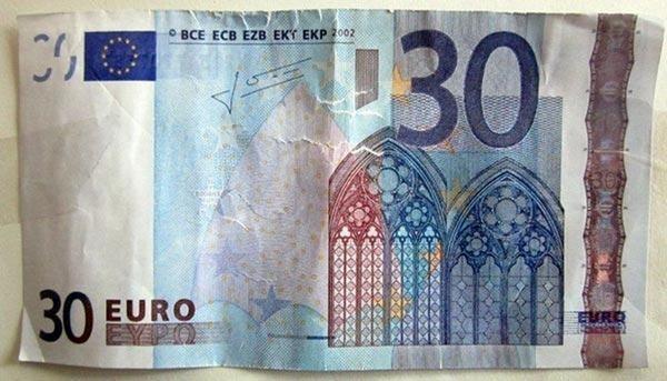 Quei 30 euro ad immigrato.. Come la disinformazione manipola l'opinione pubblica