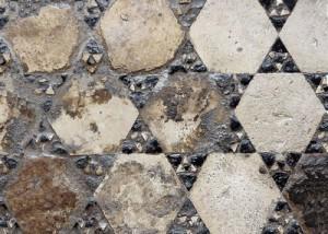 opus sectile nel pavimento dell'VIII sala al I piano di Castel del Monte