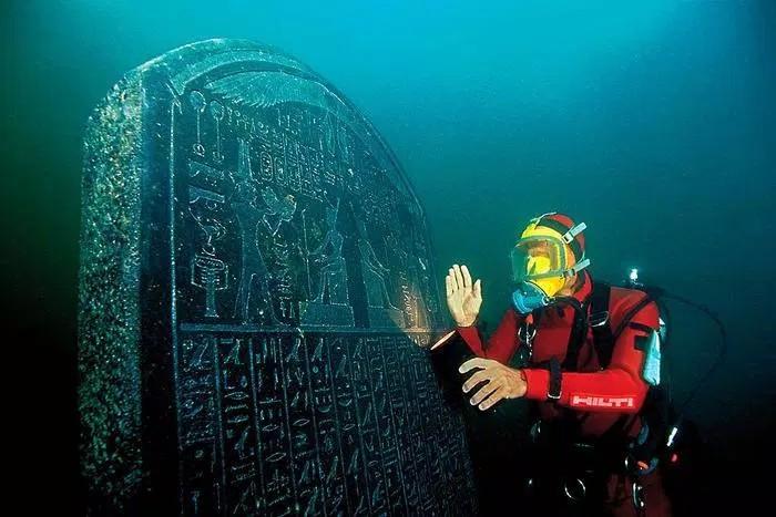 Heracleion – Ritrovata antica città egizia scomparsa sotto il mediterraneo da 1200 anni
