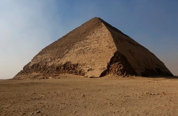 Svelato l'interno della piramide romboidale grazie ai raggi cosmici