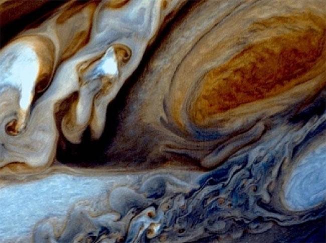 I pianeti giganti contengono idrogeno oscuro?