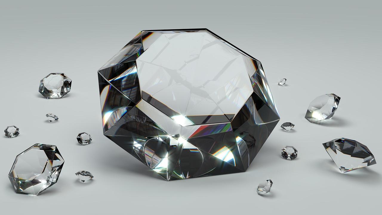 Nanodiamanti prodotti in un bicchier d'acqua