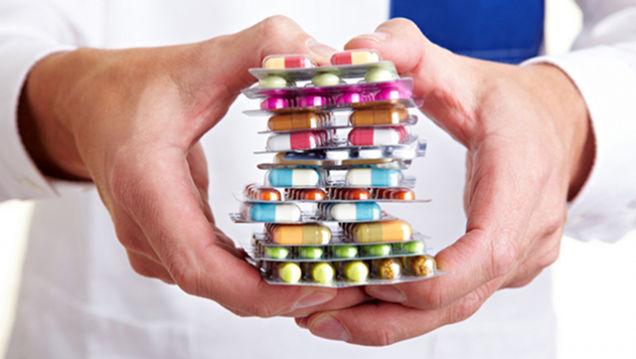 Anziani malati di farmaci: come ridurre il consumo?