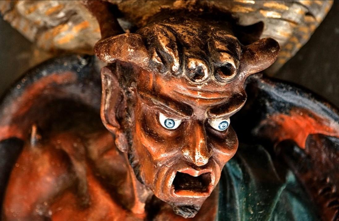Simbologia della chiesa di Rennes le Château: il demone Asmodeo