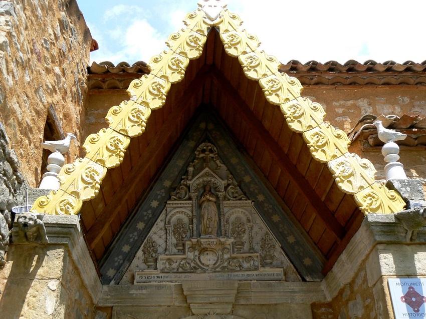 Simbologia della chiesa di Rennes le Château: il demone Asmodeo 2