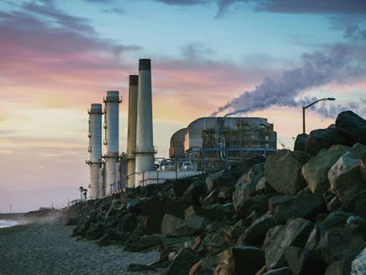 La California decide di demolire sette vecchi impianti a gas. Bastano le rinnovabili