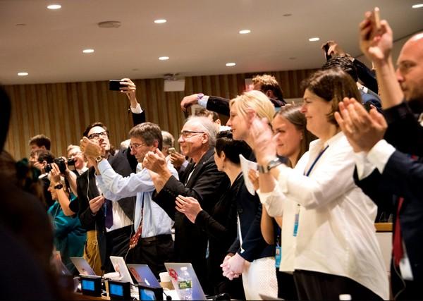 Esultanza per lo storico trattato contro le armi nucleari adottato dall'ONU